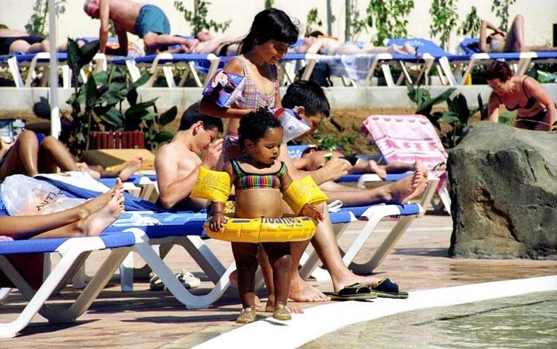 В Египте часть отелей открыли для местных туристов ещё 15 мая , но в одном из отелей в Эль-Гуне у туриста обнаружили коронавирус и сейчас власти наблюдают за развитием ситуации.