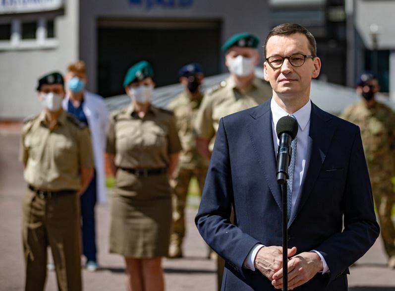 Польский премьер-министр Матеуш Моравецкий поспешил заявить, что его страна готова принять любых американских солдат немерено.