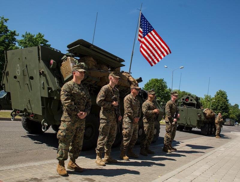 Для «младоевропейцев» американские контингенты играли роль силы, сдерживающей одновременно и Россию, и страны Старой Европы.