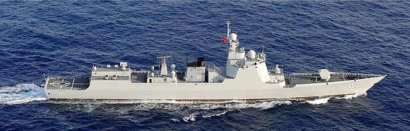 Ракетный эсминец типа 052D военно-морского флота Народно-освободительной армии Китая.