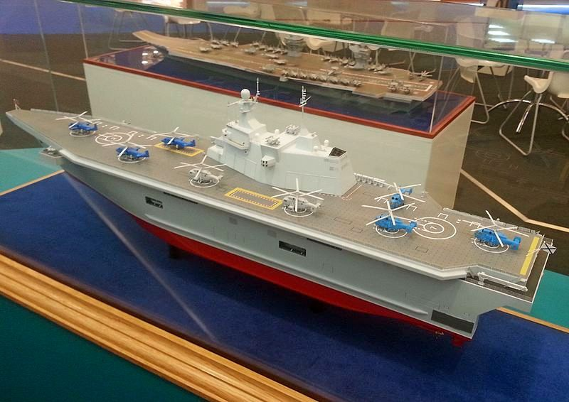 У «Прибоя» проекта 23900 полётная палуба шире на 15 метров, а осадка корпуса глубже на метр.
