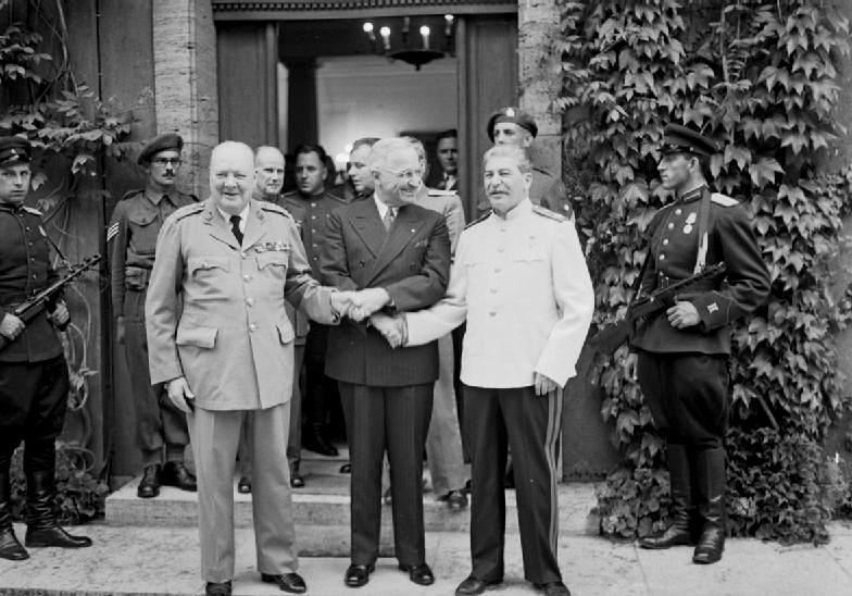 В 1945 году в ходе Потсдамской конференции Кёнигсберг было окончательно решено присоединить к СССР.