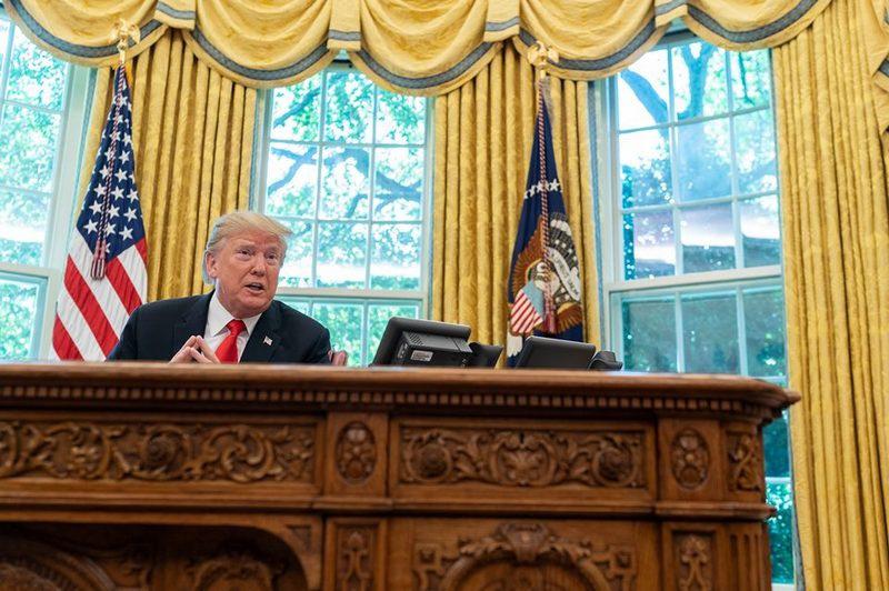Трамп раз за разом наносит смертельный удар по власти транснационалов.