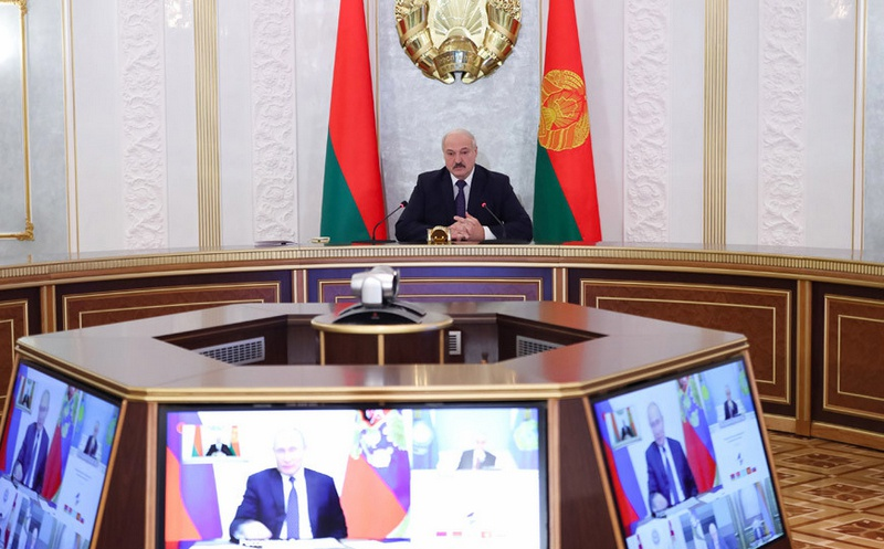 Белорусский президент требует снизить для Белоруссии установленные долгосрочным соглашением цены на поставки газа, а также установить единые по ЕАЭС транзитные тарифы.