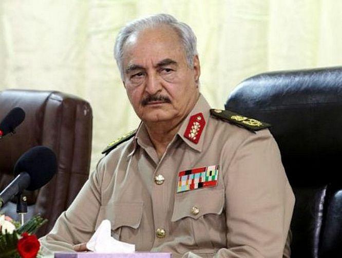 Фельдмаршал Халифа Хафтар руководит Ливийской национальной армией (ЛНА).