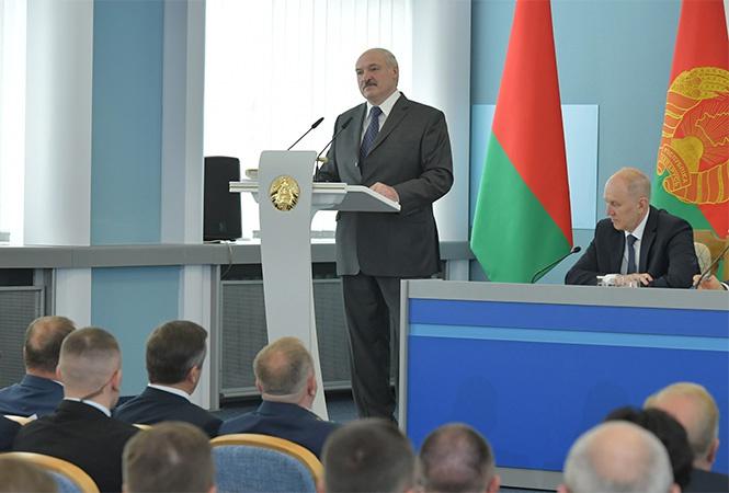 Лукашенко предупредил всех, что «майданов» в Белоруссии не будет».