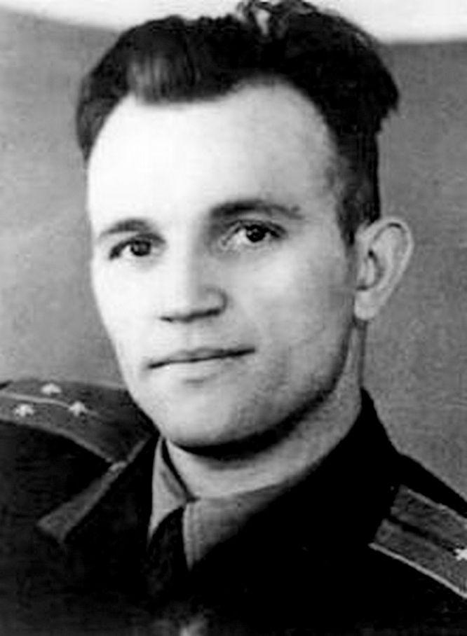 Лётчик Сергей Софронов.
