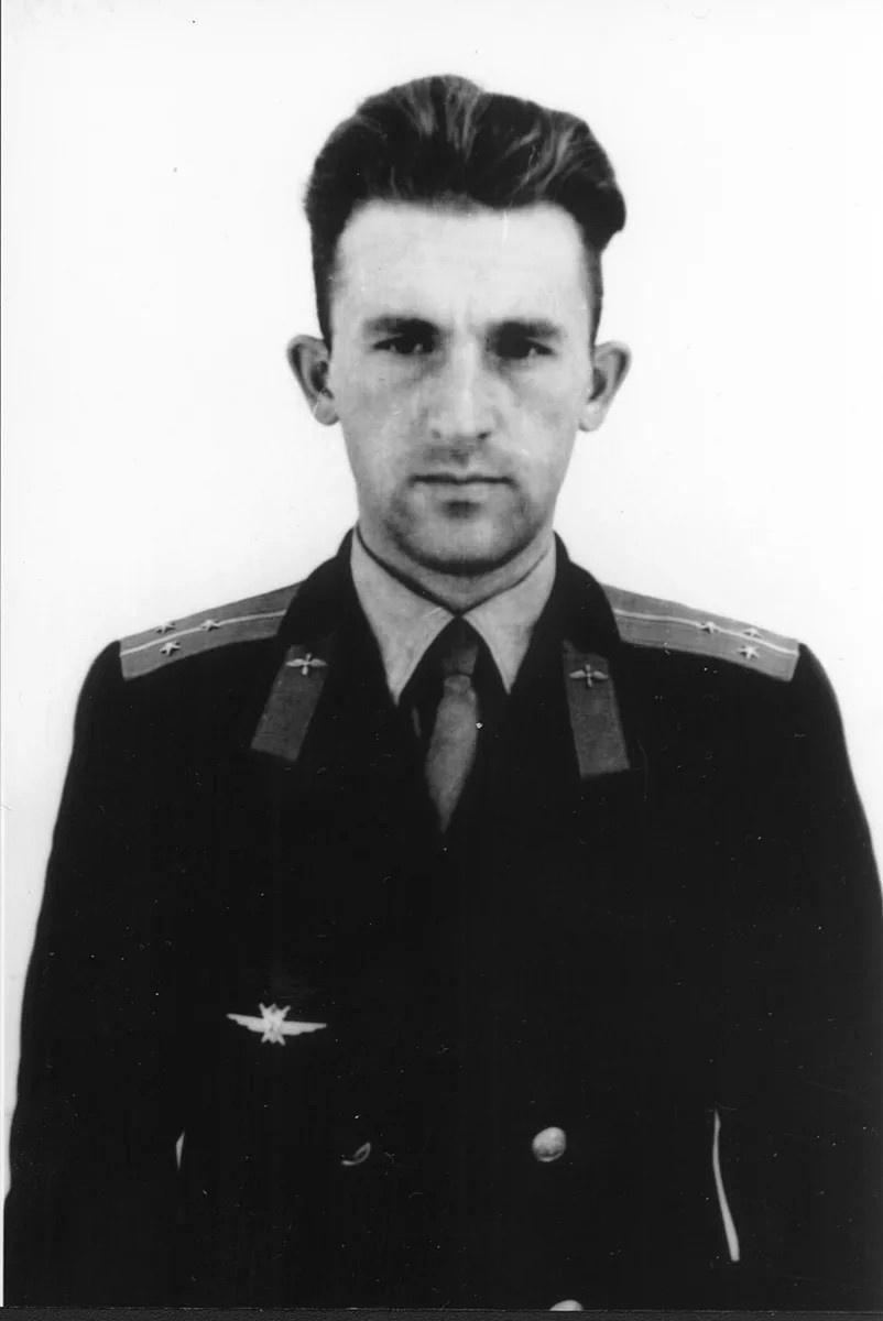 Лётчик Игорь Ментюков.