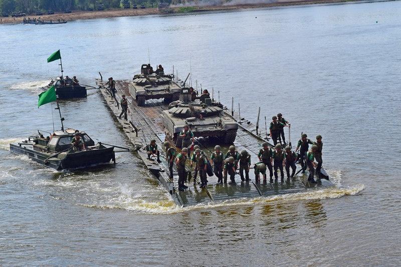 Понтонно-переправочное подразделение 45-й бригады продемонстрирует своё умение на АрМИ-2020.