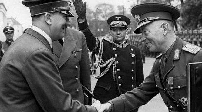 Предоставление Антонеску доступа Германии к нефтяным запасам Румынии, позволило Гитлеру начать большое кровопролитие.