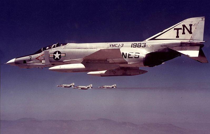 Самолёт-разведчик RF-4B на платформе истребителя «Фантом-2».