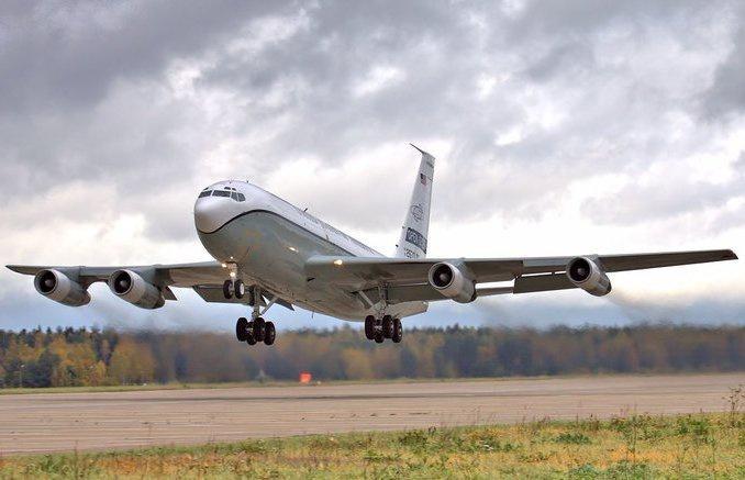 ВВС США приобрели в 1993-1996 гг. три самолёта OC-135B.