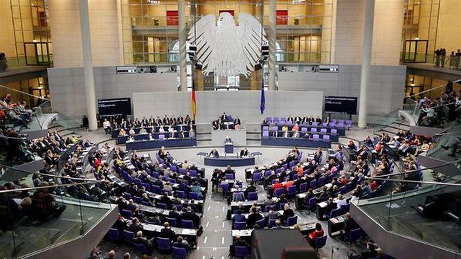 Впервые за всю послевоенную историю Германии по вопросу о необходимости достройки СП-2 в бундестаге сложился всепартийный консенсус.