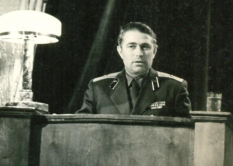 Командир 2-го дивизиона 57-й зенитной ракетной бригады Михаил Воронов в 1961 году.