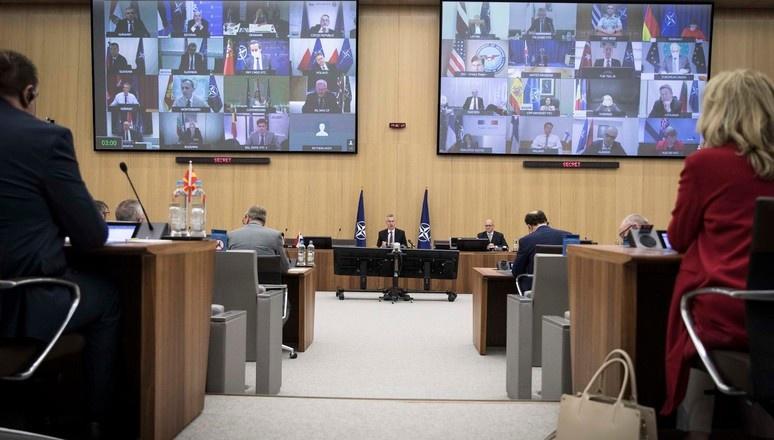 На прошедшей 17-18 июня видеоконференции с участием министров обороны стран-участниц НАТО об отводе войск просто молчали.