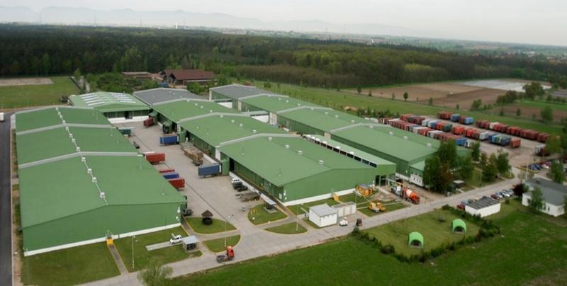 Сотни миллионов евро были потрачены на строительство на американских базах. Склады минобороны США в армейском депо Гермерсхайма.
