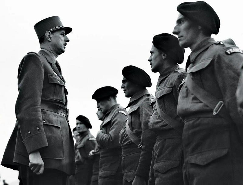 Генерал де Голль возглавлял Французский комитет национального освобождения.
