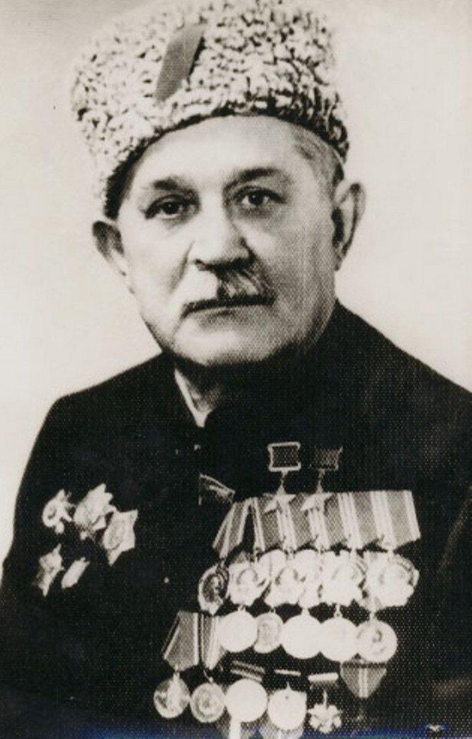 Алексей Фёдорович Фёдоров после войны работал министром соцобеспечения Украинской ССР.