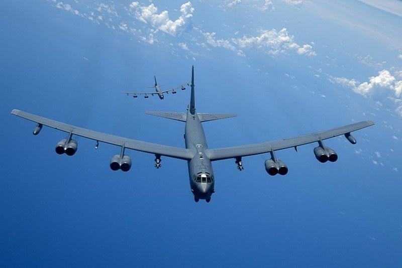 19 июня пара В-52Н в рамках своего турне завернула «на огонёк» в район Курил и вошла в воздушное пространство над Охотским морем.