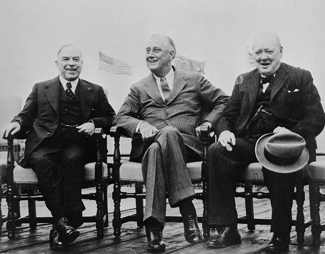 Франклин Рузвельт и Уинстон Черчилль на конференции в Квебеке.
