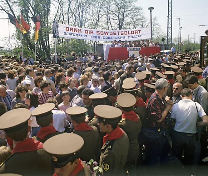 Многие немцы сочувствовали советским солдатам, поскольку понимали, что на родине для них нет даже жилья.