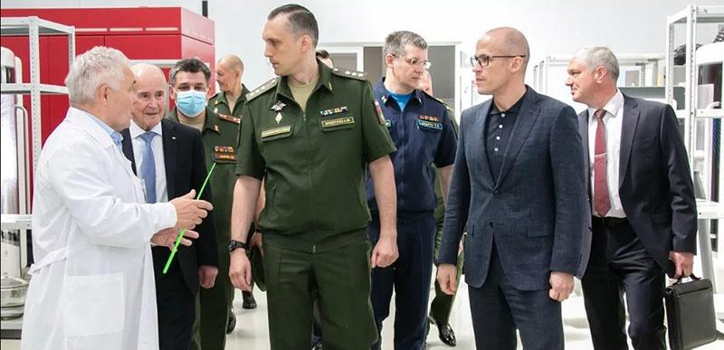 Заместитель министра обороны РФ Алексей Криворучко посетил Ижевский электромеханический завод «Купол».