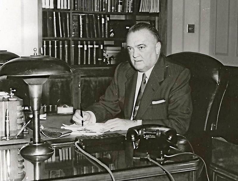 Директор ФБР Эдгар Гувер интересовался, как Коваль смог попасть на атомные объекты?