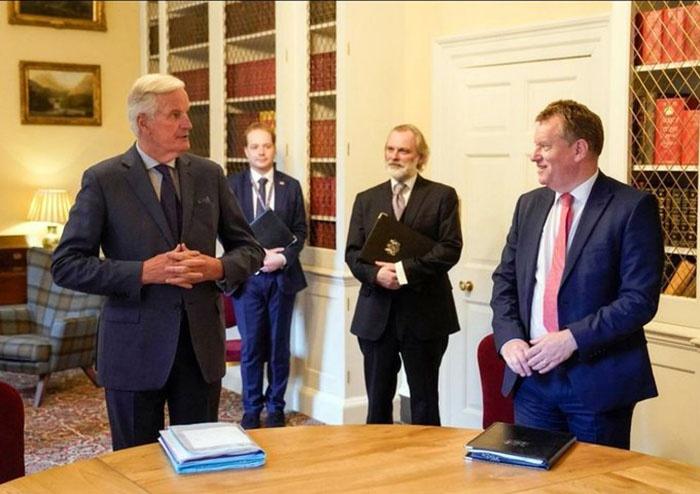Июльская встреча переговорщиков по Brexit Мишеля Барнье и Дэвида Фроста в Лондоне показала, что официальный Лондон ведёт дело к жёсткому Brexit.