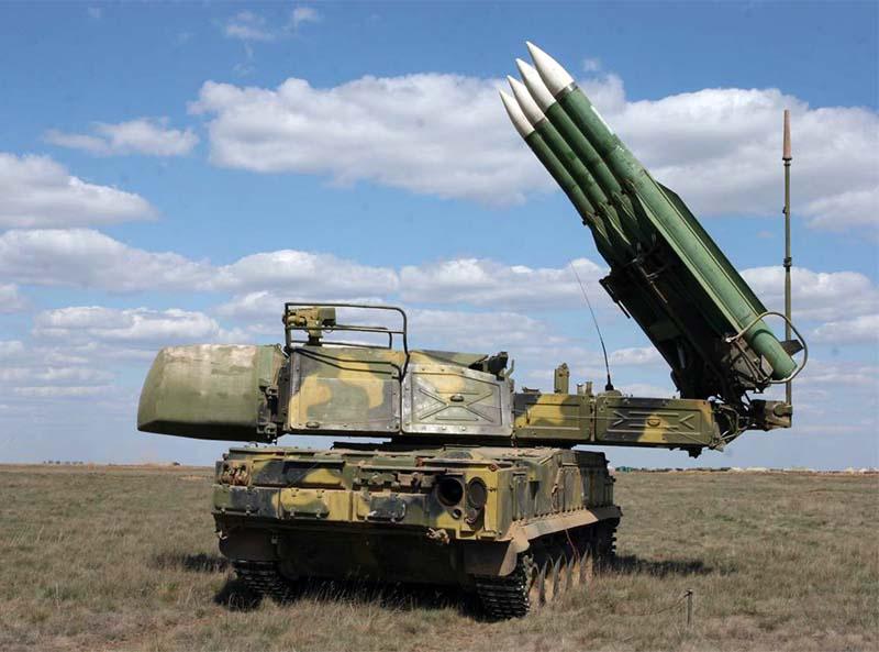Зенитные ракетные комплексы «Бук-М2» отразили воздушные удары условного противника.