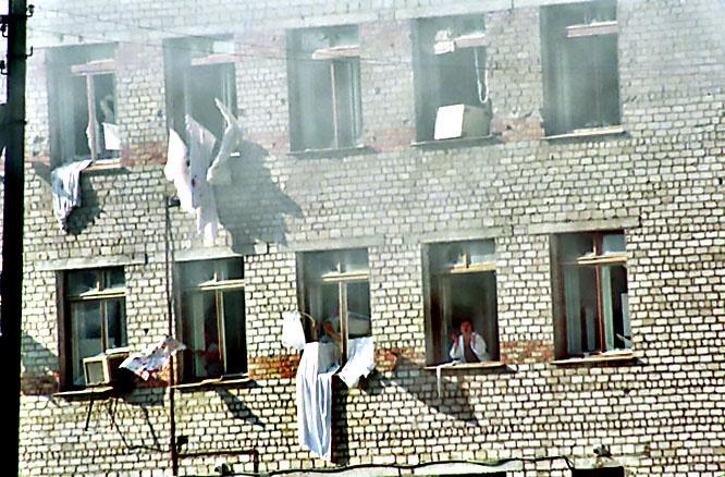 Захваченная террористами больница с заложниками в Буденновске.