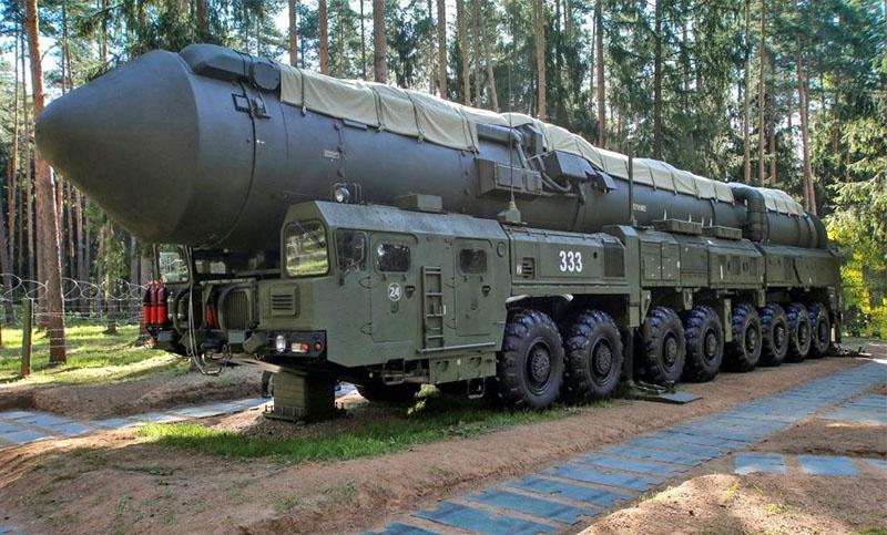 ПГРК «Ярс» на маршруте боевого патрулирования в лесах Ивановской области.