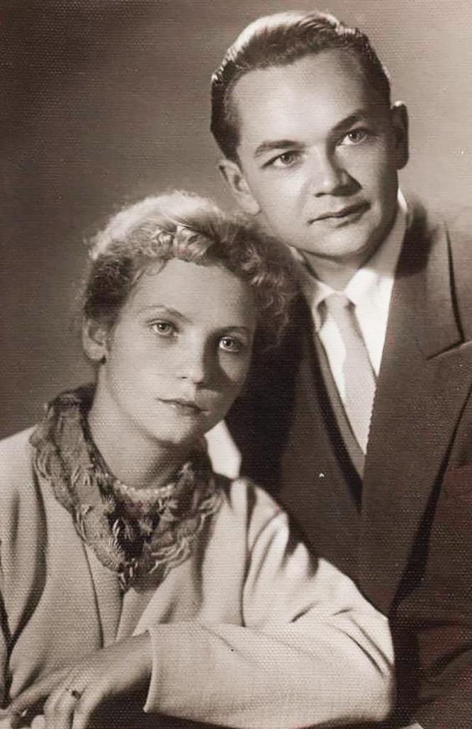 Гаврилов с супругой.