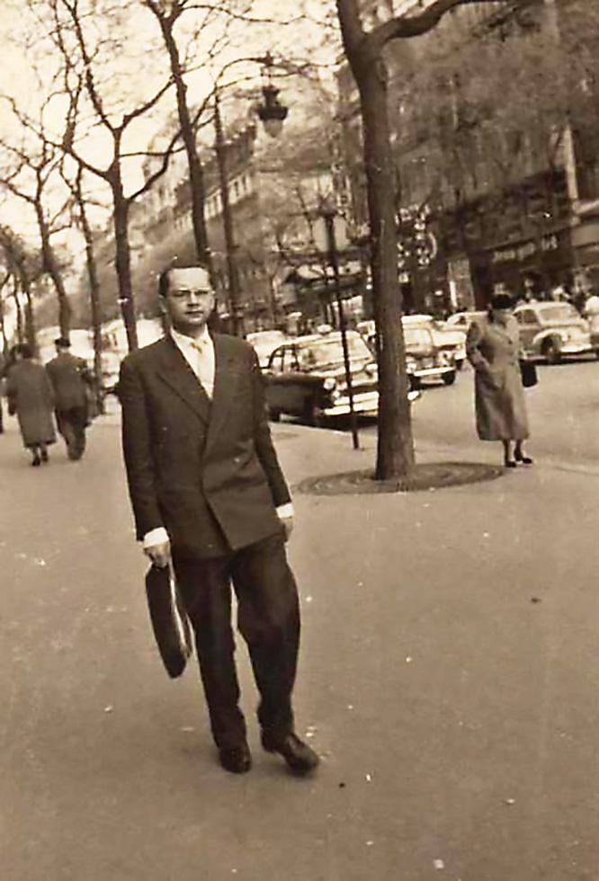 Нелегал Гаврилов в Париже.
