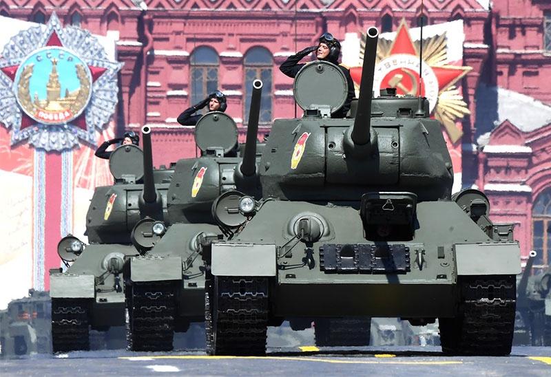 В первый день игр состоится показательный заезд танков Т-34-85.