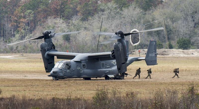 Спецназ США будет переброшен из Германии и Великобритании вместе со снаряжением, вертолётами и конвертопланами CV-22 Osprey.