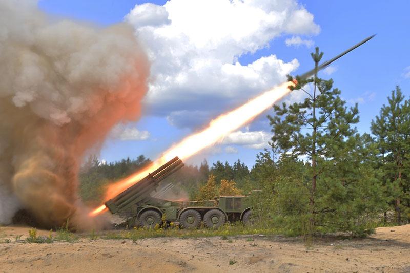 Резервы «противника» были уничтожены огнём реактивных систем залпового огня (РСЗО) «Град».