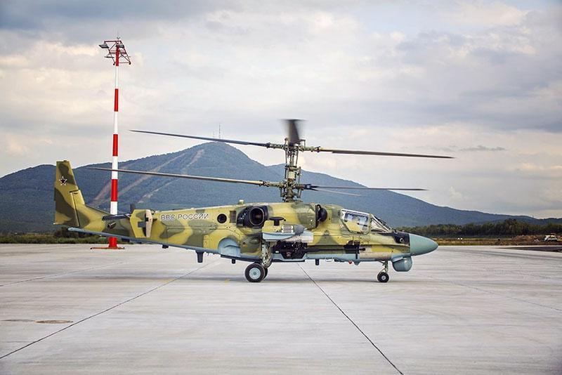 Ка-52 «Аллигатор» - штурмовой вертолёт с двумя соосными винтами и двумя турбовальными силовыми установками ВК-2500.