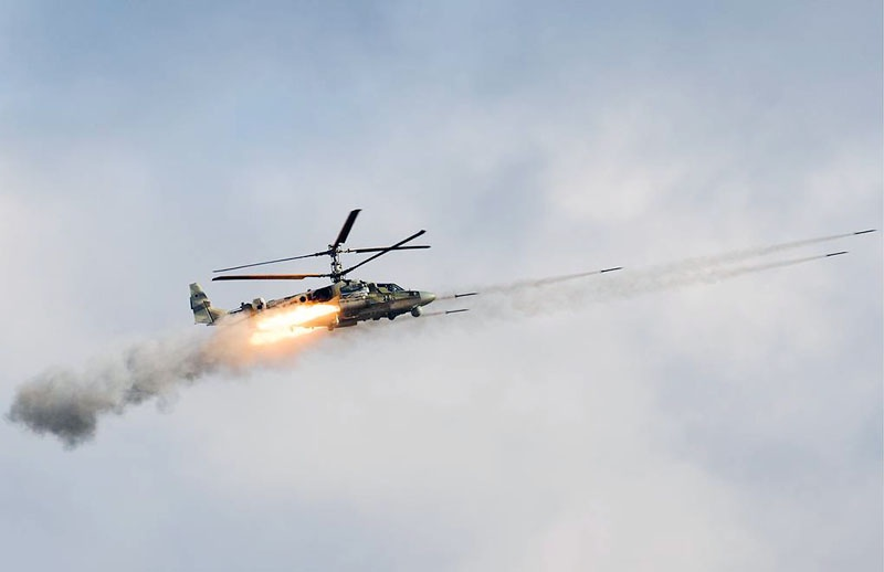 Ка-52М отличается от своего предшественника системой управления огнём и новым ракетным вооружением.