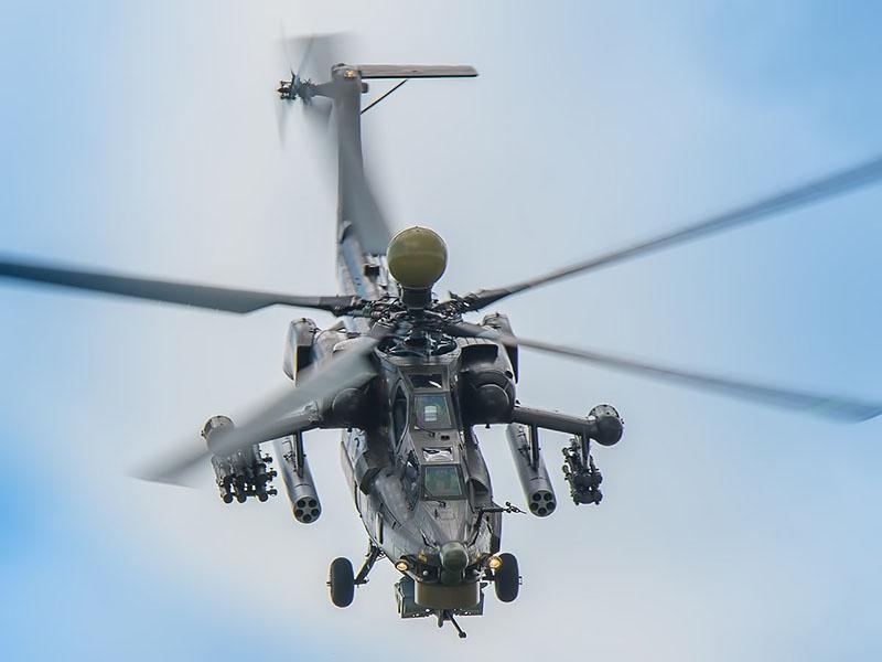 У Ми-28НМ установлена пушка на турели, что позволяет наведение в нескольких плоскостях.