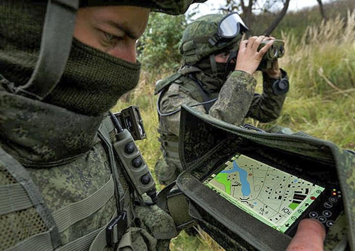 Войсковая разведка и подразделения ССО оснащены комплексом разведки, управления и связи «Стрелец».