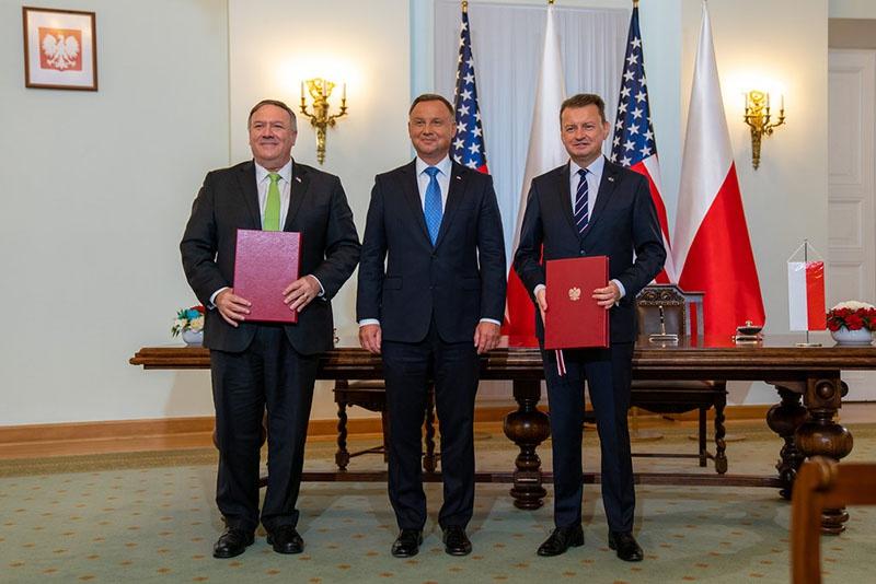 Майкл Помпео посетил Варшаву и подписал Соглашение о расширенном оборонном сотрудничестве с Польшей.