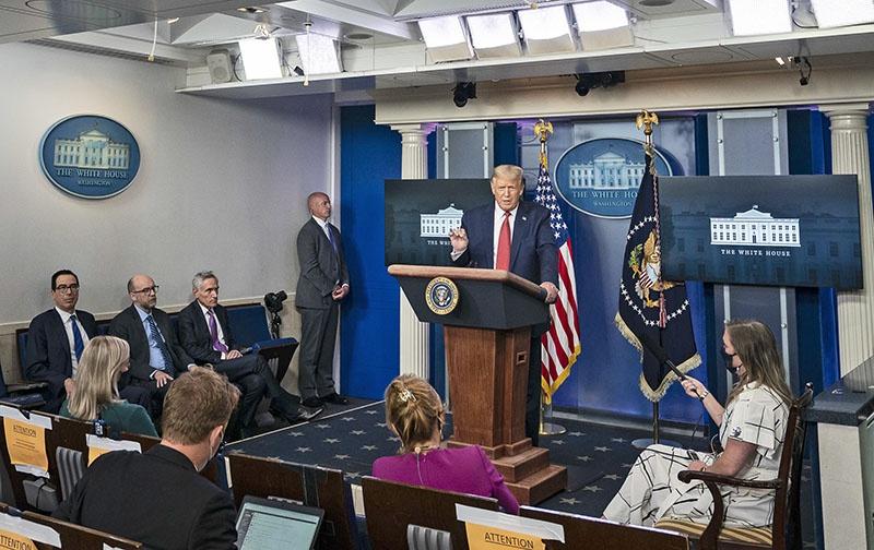 Президент США Дональд Трамп в очередной раз заявил о желании пригласить российского президента Владимира Путина на встречу лидеров «семёрки» (G7).