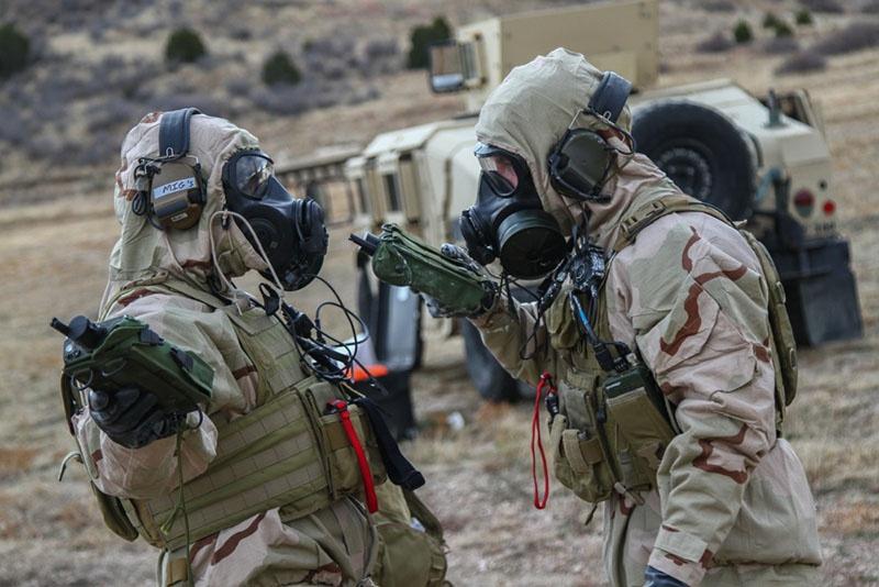 Многие военные учения с применением обычных видов вооружений постепенно трансформируются в учения с условным применением ядерного оружия.
