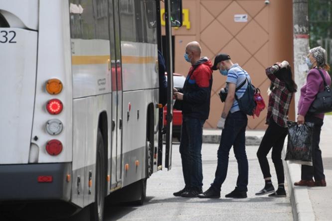 Жёсткий масочный режим в общественных местах и на транспорте - один из способов сдерживания заболеваемости гриппом и коронавирусом.