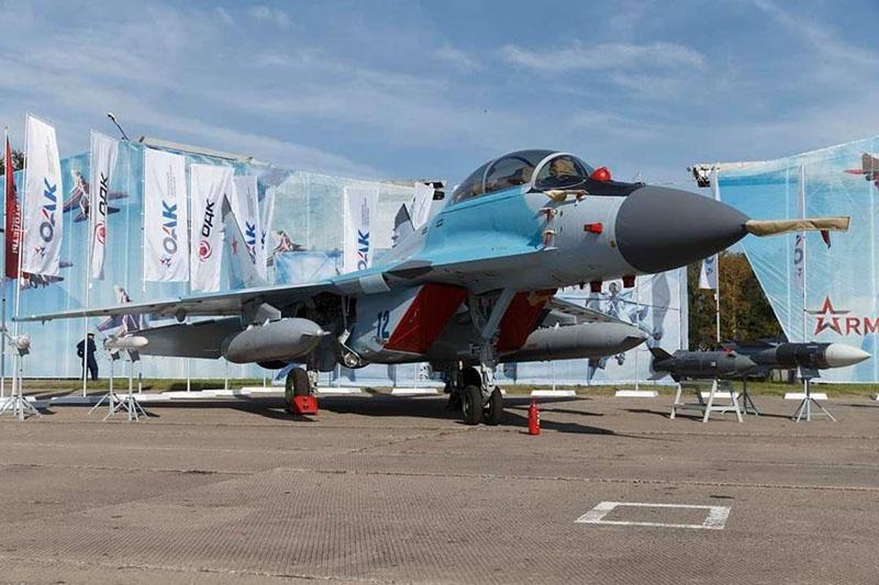 Многоцелевой лёгкий истребитель поколения МиГ-35 должен прийти на смену своему предшественнику - МиГ-29.