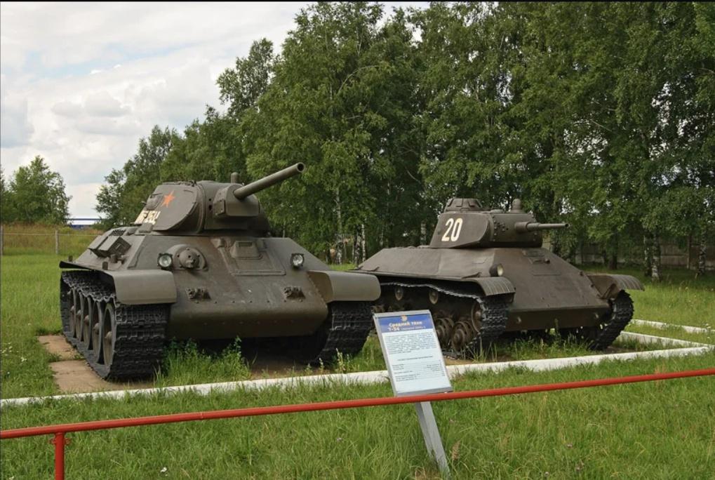 «Танковый каннибализм»: как средний Т-34 лёгкий Т-50 схарчил