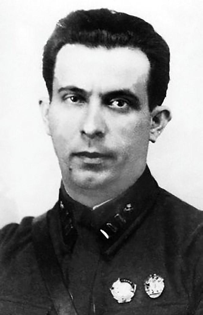 Советский конструктор бронетанкового вооружения Семён Александрович Гинзбург.