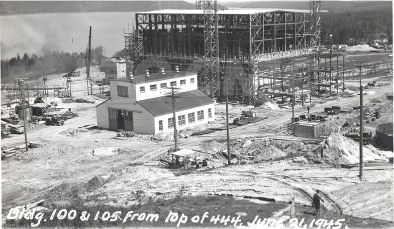 Строительство уранового завода в Чок-Ривере в Канаде.