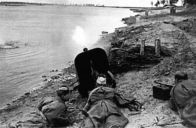 Бои на берегу Днепра.