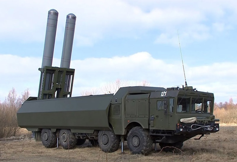 БРК «Бастион» - подвижной вариант на белорусском шасси от завода МЗКТ («Бастион-П»).